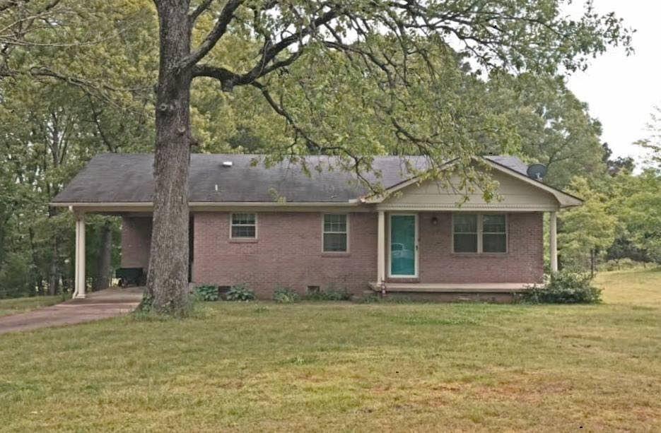 320 Clayton Rd, Finger, TN 38334