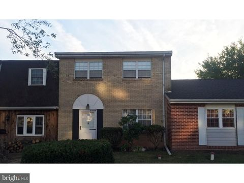 320 State St, East Greenville, PA 18041