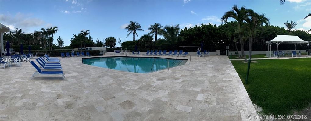 145 Ocean Ave Apt 602, Palm Beach Shores, FL 33404