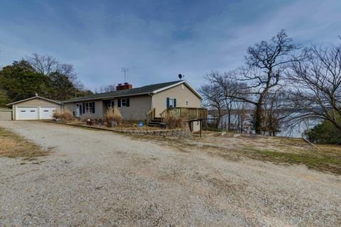 Photo of 2712 Bread Tray Mountain Rd, Lampe, MO 65681