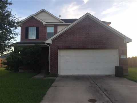 Photo of 6726 Poplar Bend Ln, Dickinson, TX 77539