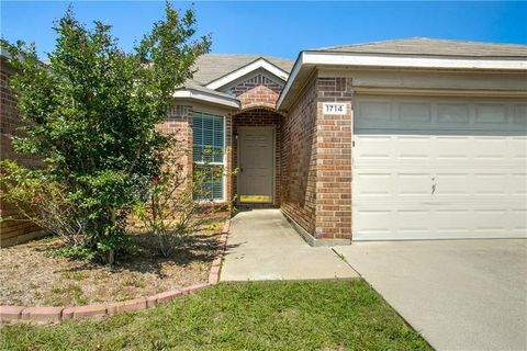 1714 Country Crest Ln, Mansfield, TX 76063