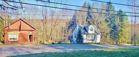 Photo of 552 S Sterling Rd, South Sterling, PA 18460