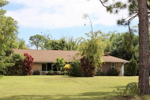 Photo of 6012 Silver Oak Dr, Fort Pierce, FL 34982