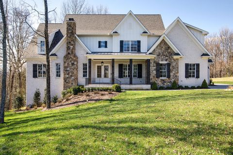 Photo of 1164 Saddle Springs Dr, Thompsons Station, TN 37179