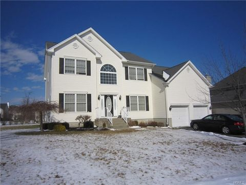Photo of 2704 Colonial Dr, New Windsor, NY 12553