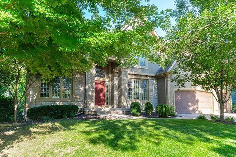 Windsor Hills, Overland Park, KS Real Estate & Homes for Sale