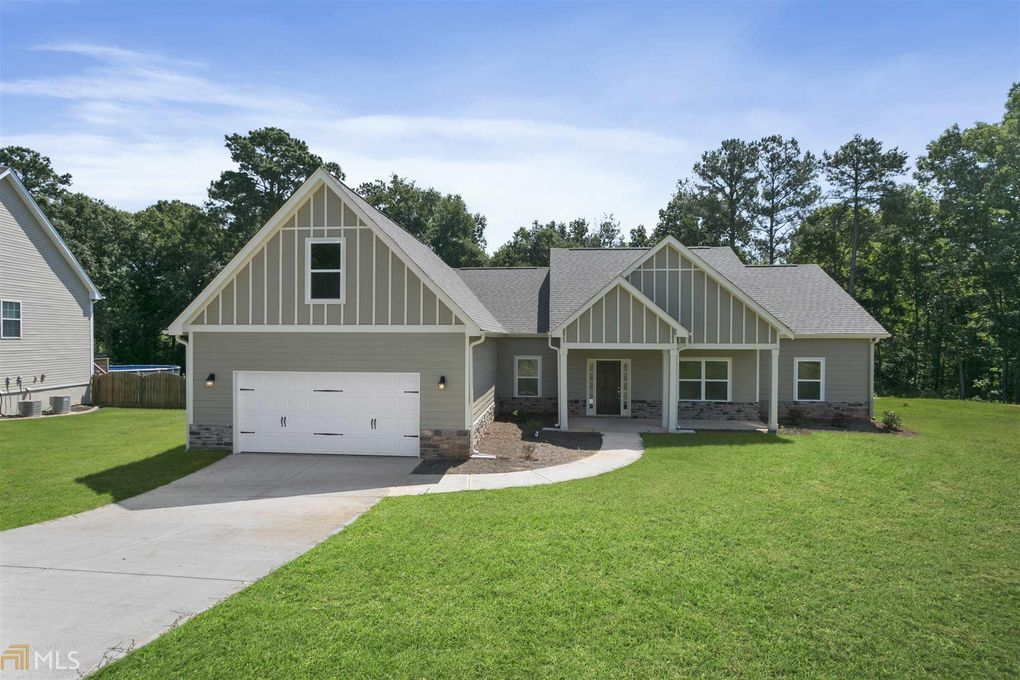 934 Golden Meadows Ln Loganville, GA 30052