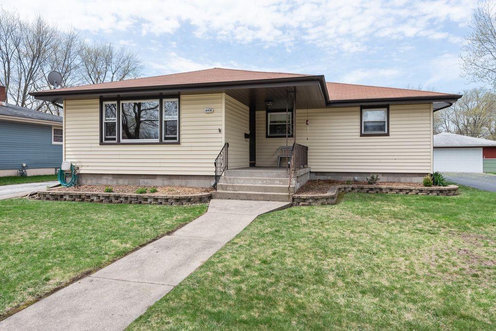 18436 Oak Ave Lansing, IL 60438