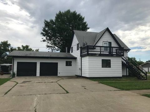 530 1st Ave S, New Rockford, ND 58356