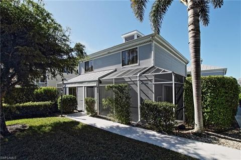 660 3rd St S Unit 1, Naples, FL 34102