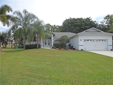 8848 Bracken Way, Fort Myers, FL 33908