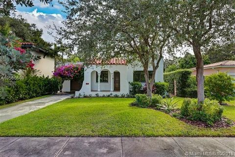 Photo of 917 Granada Groves Ct, Coral Gables, FL 33134