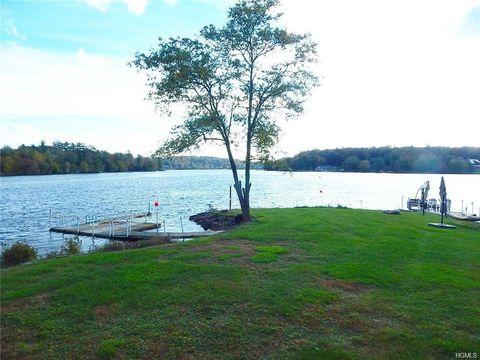 Photo of 29 Horseshoe Lake Rd, Kauneonga Lake, NY 12749