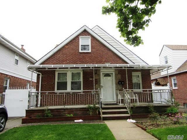 8342 257th St Floral Park NY 11004