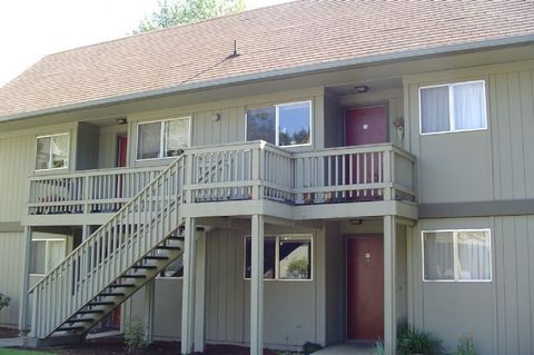 Photo of 4001 Potter St Apt 50, Eugene, OR 97405