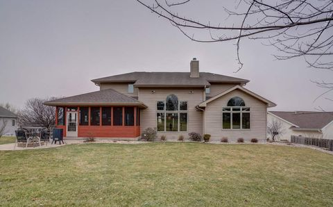 Photo of 109 Greve Cir, Mount Horeb, WI 53572