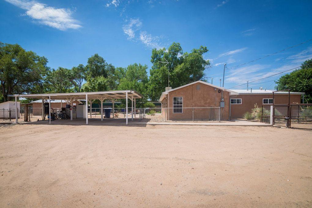 1128 Los Lentes Rd NE Los Lunas, NM 87031