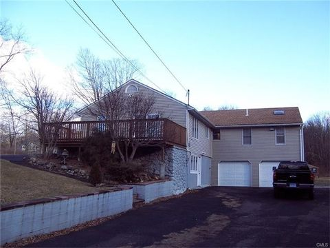 55 Jacob Rd, Southbury, CT 06488