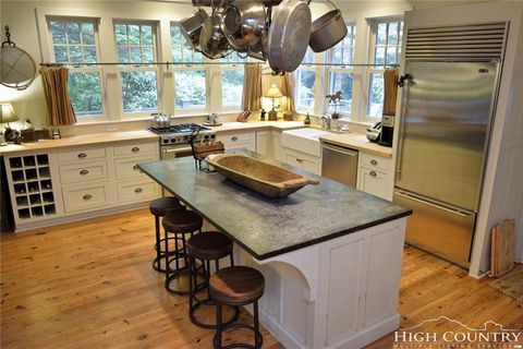 wet kitchen cabinet blowing rock nc real estate blowing rock homes for 3389