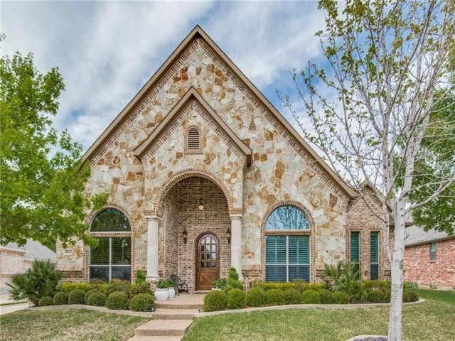 8405 Park Brook Ct, North Richland Hills, TX 76182