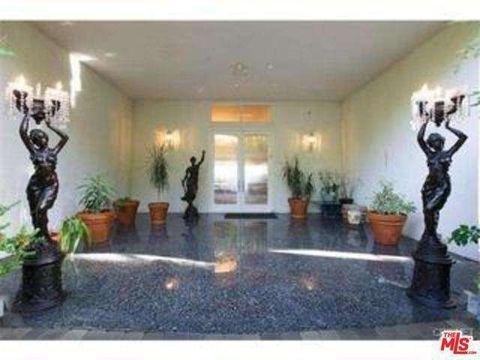 430 Robert Ln, Beverly Hills, CA 90210