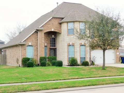 Photo of 2163 Colonial St, Alvin, TX 77511