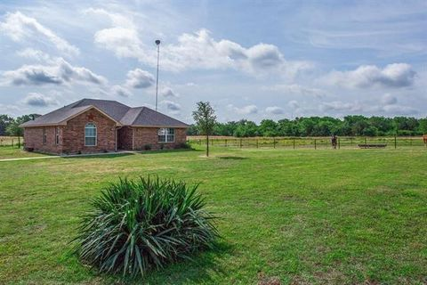 502 County Road 2275, Telephone, TX 75488