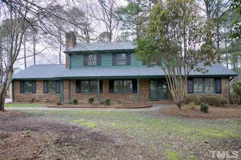 Photo of 207 Briarcliff Ln, Cary, NC 27511