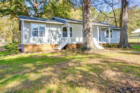 Photo of 252 Johnson St, Senoia, GA 30276