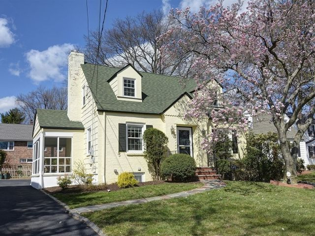 87 boyden ave maplewood nj 07040 for Maplewood custom homes