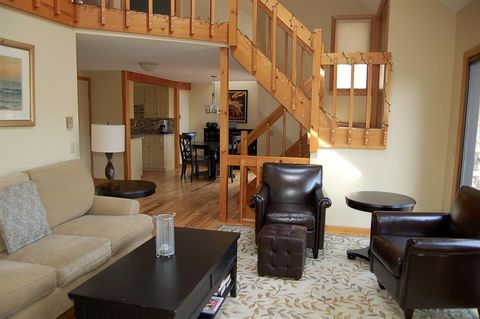 Photo of 848 Cove Dr Unit 48, Grantham, NH 03753