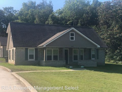 Photo of 818 Loop Rd, Knoxville, TN 37934