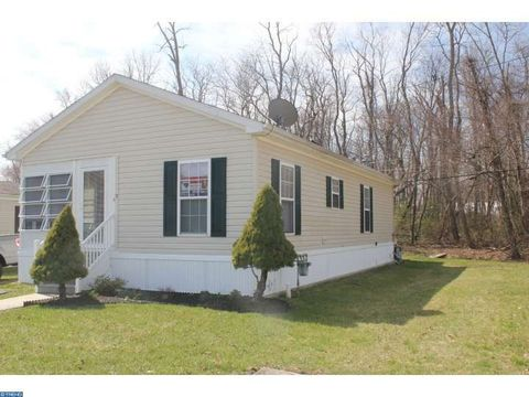 194 Jacobstown New Egypt Rd Trlr 5, Wrightstown, NJ 08562