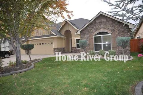 Photo of 1972 W Rattlesnake Dr, Meridian, ID 83646