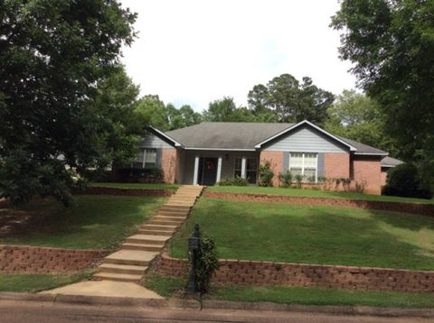 Photo of 113 Beverly Dr, Grenada, MS 38901