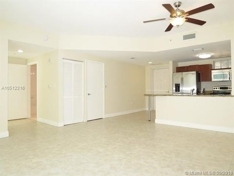7275 Sw 89th St Unit B313, Miami, FL 33156