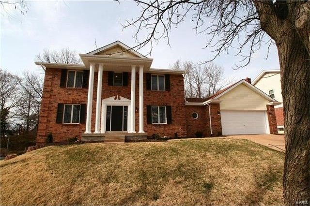 14249 Reelfoot Lake Dr Chesterfield, MO 63017