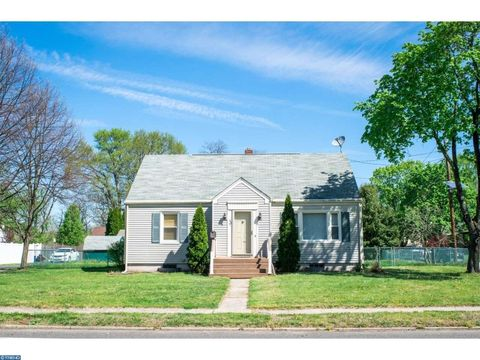 137 South Ave, Mount Holly, NJ 08060