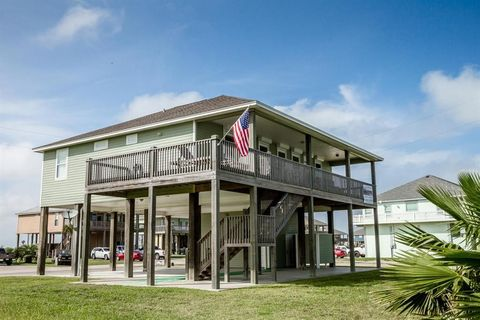 Photo of 4410 Whaler Ln, Port Bolivar, TX 77650