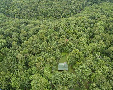 5703 State Park Rd, Pipersville, PA 18947