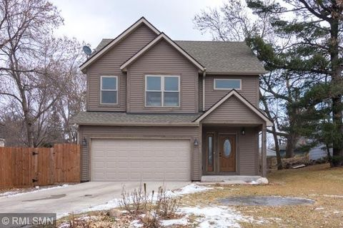 601 1st St Ne, Forest Lake, MN 55025