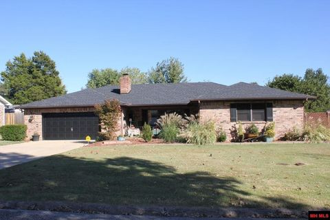2004 Ivy Ln Mountain Home AR 72653