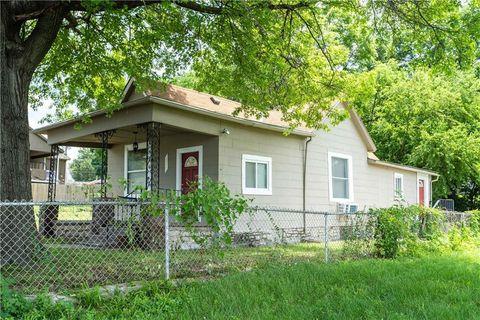 Photo of 729 Oakland Ave, Kansas City, KS 66101