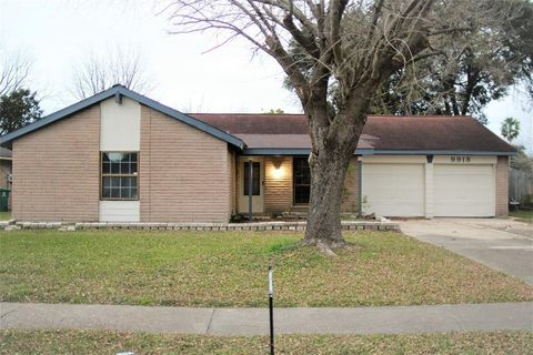 9918 Leawood Blvd, Houston, TX 77099