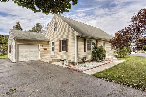 376 Rumson Rd, Rochester, NY 14616
