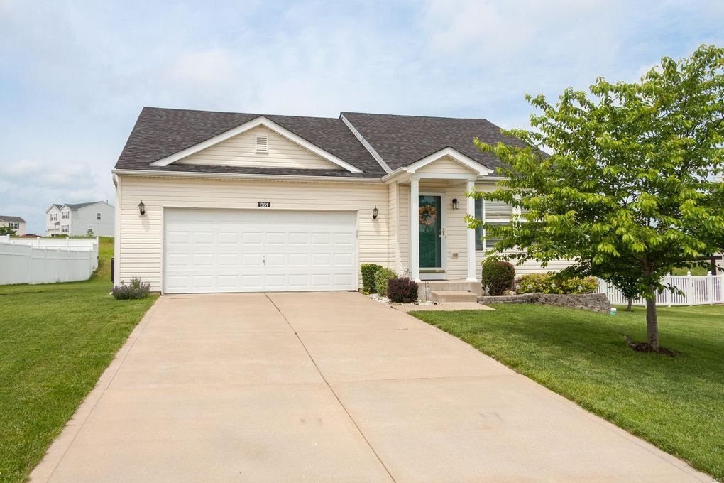 361 Crooked Creek View Ln Moscow Mills, MO 63362