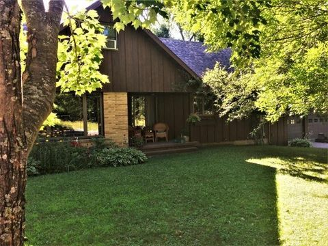 Photo of 863 7th Ave S, Park Falls, WI 54552