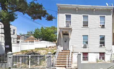 Photo of 203 Essex St, Brooklyn, NY 11208