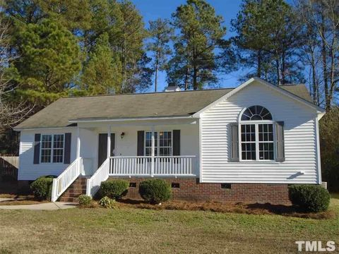 220 Wood Green Dr, Wendell, NC 27591